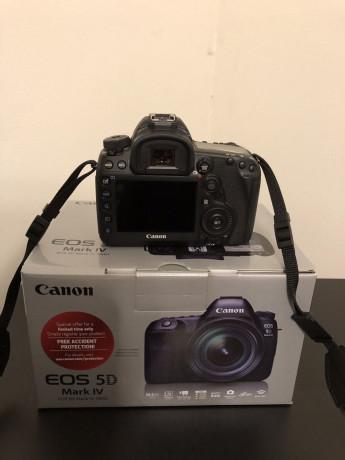 canon-eos-5d-mark-iv-digital-slr-camera-big-0