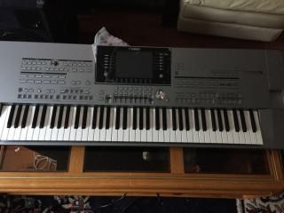 Yamaha Tyros5-76 Synthesizer / Keyboard