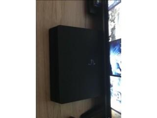 Playstation 4 1TB mit 2 Controller und 4 Spielen