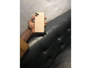 IPhone 11 pro Max locked to AT&T, 256GB Gold